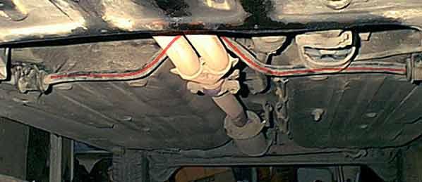 Сделать снимок стабилизатора в сборе мне не удалось. Но зато получилась установка по месту, где стабилизатор выделен красной линией.